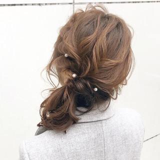 アンニュイほつれヘア 結婚式 ミディアム 簡単ヘアアレンジ ヘアスタイルや髪型の写真・画像