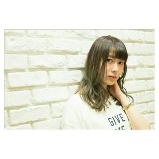 ミディアム ノームコア ハイライト バレイヤージュ ヘアスタイルや髪型の写真・画像