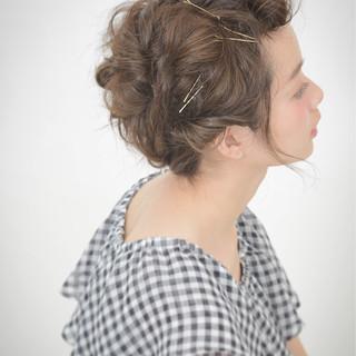 大人かわいい ガーリー ヘアアレンジ 簡単ヘアアレンジ ヘアスタイルや髪型の写真・画像
