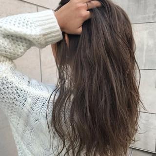 ゆるふわ ロング ハイライト デート ヘアスタイルや髪型の写真・画像