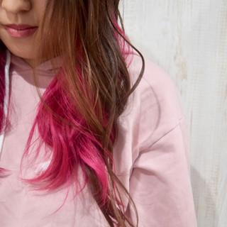 イベントカラー ラズベリーピンク フェミニン インナーカラー ヘアスタイルや髪型の写真・画像 | ひまらやさん / white.梅田