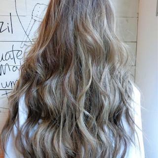 ゆるふわ 外国人風カラー アンニュイ ロング ヘアスタイルや髪型の写真・画像