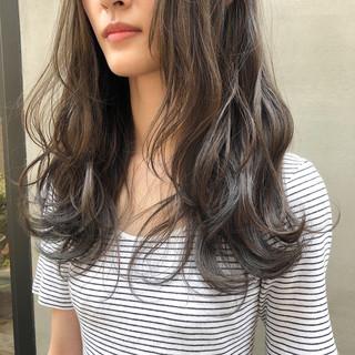 くすみカラー 透明感 透明感カラー 暗髪 ヘアスタイルや髪型の写真・画像