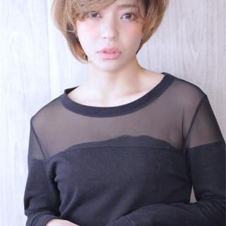 ハンサムショート 小顔ショート ショートボブ ナチュラル ヘアスタイルや髪型の写真・画像 ヘアスタイルや髪型の写真・画像