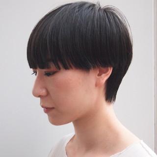 ショートヘア ワイドバング モード マッシュウルフ ヘアスタイルや髪型の写真・画像