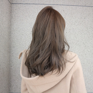ロング ナチュラル 冬 アッシュ ヘアスタイルや髪型の写真・画像 ヘアスタイルや髪型の写真・画像