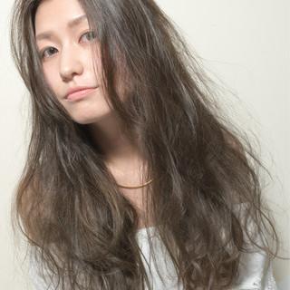 ゆるふわ アッシュ モード 暗髪 ヘアスタイルや髪型の写真・画像 ヘアスタイルや髪型の写真・画像
