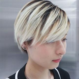 ブリーチカラー ナチュラル ショート ブリーチ ヘアスタイルや髪型の写真・画像