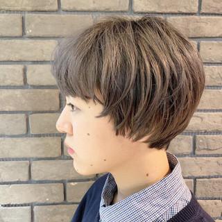 ショート マッシュショート アッシュグレージュ ダブルカラー ヘアスタイルや髪型の写真・画像