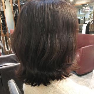 ラベンダーピンク ピンクアッシュ ミディアム ナチュラル ヘアスタイルや髪型の写真・画像