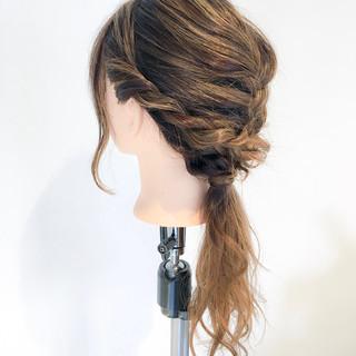 編み込み 簡単ヘアアレンジ ヘアアレンジ フェミニン ヘアスタイルや髪型の写真・画像