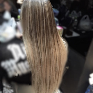 ハイライト アッシュ ホワイト グラデーションカラー ヘアスタイルや髪型の写真・画像