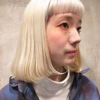ベージュ ストリート ホワイト ボブ ヘアスタイルや髪型の写真・画像