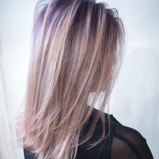 ミディアム ハイトーンカラー ホワイトカラー ピンクアッシュ ヘアスタイルや髪型の写真・画像