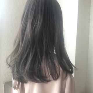 ヘアアレンジ ロング ウェーブ 透明感 ヘアスタイルや髪型の写真・画像