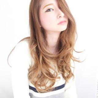 セミロング 渋谷系 外国人風 アッシュ ヘアスタイルや髪型の写真・画像