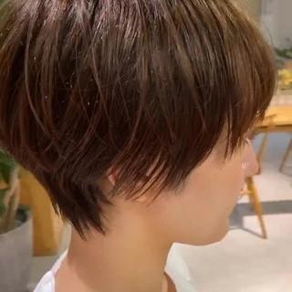 ミルクティーベージュ ナチュラル ハンサムショート ショート ヘアスタイルや髪型の写真・画像