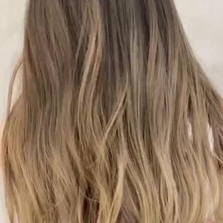 ロング バレイヤージュ エアータッチ 3Dハイライト ヘアスタイルや髪型の写真・画像