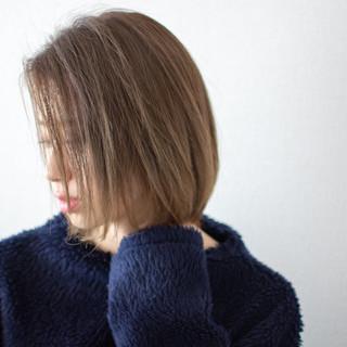 オフィス 外国人風 透明感 デート ヘアスタイルや髪型の写真・画像 ヘアスタイルや髪型の写真・画像