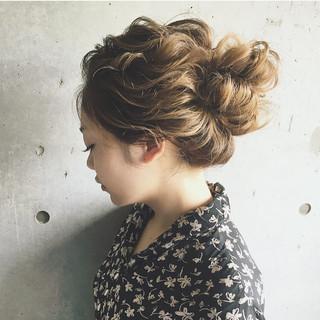 ナチュラル 結婚式 ガーリー ヘアアレンジ ヘアスタイルや髪型の写真・画像