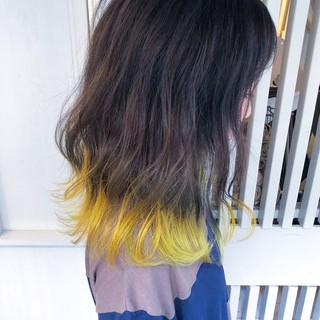簡単ヘアアレンジ ナチュラル イエローブラウン ハイライト ヘアスタイルや髪型の写真・画像