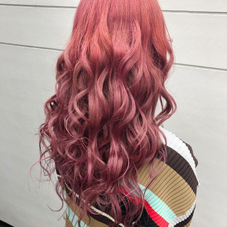 ピンクラベンダー ロング フェミニン ラベンダーピンク ヘアスタイルや髪型の写真・画像