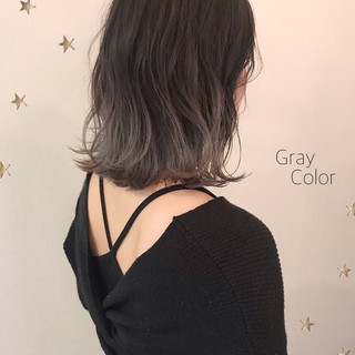 ダブルカラー グラデーションカラー グレー ミディアム ヘアスタイルや髪型の写真・画像