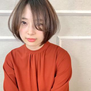 小顔ショート ナチュラル ショート イルミナカラー ヘアスタイルや髪型の写真・画像