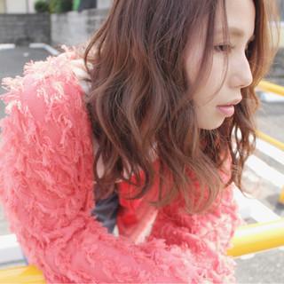透明感 フェミニン グレージュ ヘアアレンジ ヘアスタイルや髪型の写真・画像