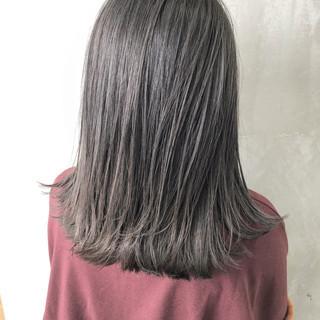 アウトドア モード ミディアム アンニュイほつれヘア ヘアスタイルや髪型の写真・画像