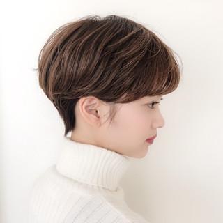 パーマ 大人かわいい ショート 横顔美人 ヘアスタイルや髪型の写真・画像 ヘアスタイルや髪型の写真・画像