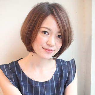 大人女子 フェミニン アッシュ オフィス ヘアスタイルや髪型の写真・画像