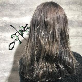 ロング ストリート イルミナカラー ヘアスタイルや髪型の写真・画像