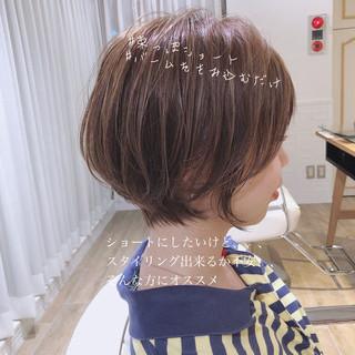 簡単ヘアアレンジ ナチュラル パーマ ショートボブ ヘアスタイルや髪型の写真・画像