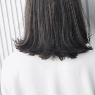 透明感 ストレート ナチュラル アッシュ ヘアスタイルや髪型の写真・画像 ヘアスタイルや髪型の写真・画像