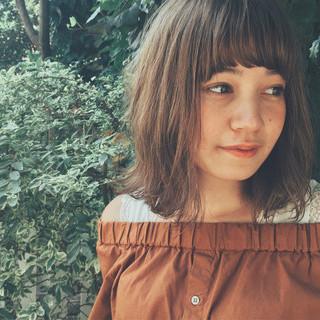 簡単ヘアアレンジ ヘアアレンジ ロブ フェミニン ヘアスタイルや髪型の写真・画像