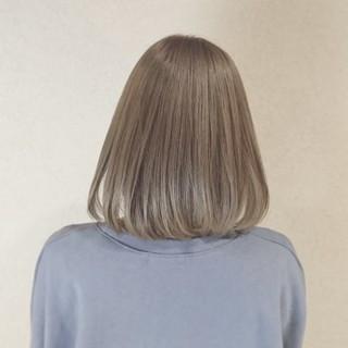 フェミニン ボブ グレージュ 外国人風カラー ヘアスタイルや髪型の写真・画像