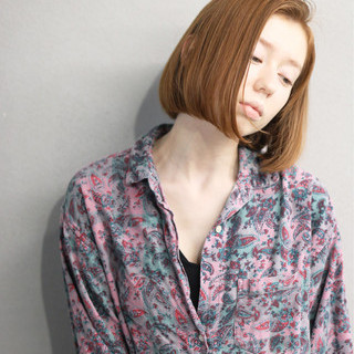 艶髪 切りっぱなし 内巻き ブラントカット ヘアスタイルや髪型の写真・画像