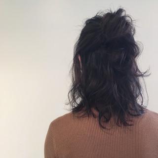 アッシュ ゆるふわ ミディアム 外ハネ ヘアスタイルや髪型の写真・画像