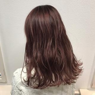 ピンク ベージュ ダブルカラー 秋 ヘアスタイルや髪型の写真・画像