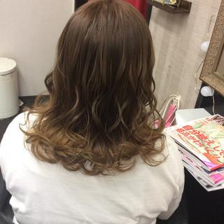 ガーリー ヘアカラー グラデーション ナチュラルグラデーション ヘアスタイルや髪型の写真・画像