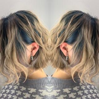 ミディアム #インナーカラー ストリート バレイヤージュ ヘアスタイルや髪型の写真・画像