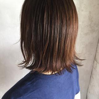 オレンジベージュ 外ハネ アッシュ ナチュラル ヘアスタイルや髪型の写真・画像