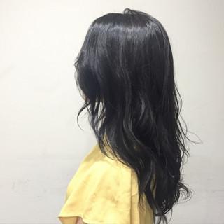 グレー 大人かわいい ガーリー 外国人風 ヘアスタイルや髪型の写真・画像