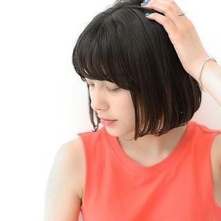 アッシュ 色気 グレージュ 斜め前髪 ヘアスタイルや髪型の写真・画像 ヘアスタイルや髪型の写真・画像