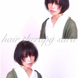 ショート 透明感 ウェットヘア 暗髪 ヘアスタイルや髪型の写真・画像