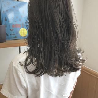 ロブ ウェーブ ハイライト ミディアム ヘアスタイルや髪型の写真・画像