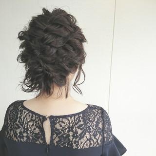 ミディアム デート ヘアアレンジ フェミニン ヘアスタイルや髪型の写真・画像
