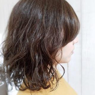 デート ミディアム パーマ 簡単 ヘアスタイルや髪型の写真・画像