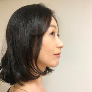 エレガント アンニュイほつれヘア ミディアム オフィス ヘアスタイルや髪型の写真・画像